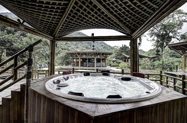 Whirlpool im Spa der Bananal Ecolodge
